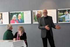 Kiertävän  juhlanäyttelyn avajaiset Suomussalmella maaliskuussa.