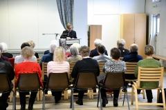 Keskustelutilaisuus Joensuussa helmikuussa teemasta Yhdenvertaisuus ja ikäihmiset, alustajana erityisasiantuntija Panu Artemjeff opetusministeriön Demokratia-, kieli- ja perusoikeusasioiden yksiköstä.