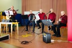 Yhteislaulutilaisuus Pateniemen Honkapirtillä Oulussa.