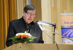 Valtuuston puheenjohtaja Kalevi Kivistö avasi kokouksen.