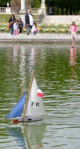 veneleikki2_luxemburgin_puistosssa